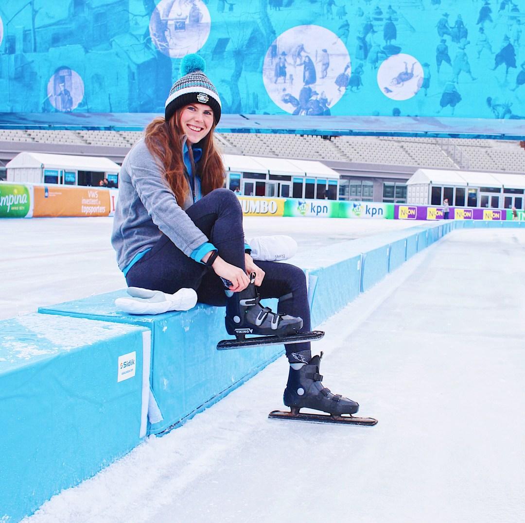 263087b69f5 ... iedereen een pretje is en omdat de sportscholen met name in de  weekenden in januari vaak overvol zijn kom ik vandaag met een alternatief:  Schaatsen!