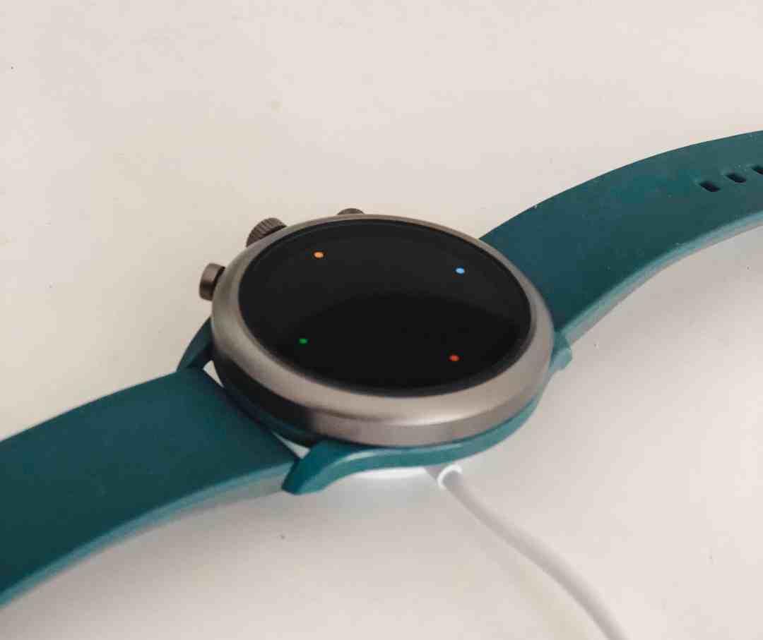 opladen fossil smartwatch