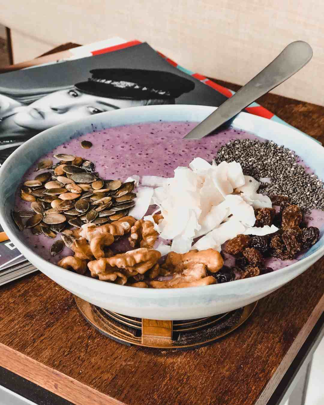 Smoothiebowl breakfast