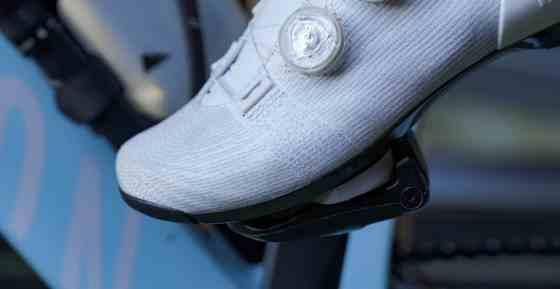 oefenen met klikpedalen in-en uitklikken beginnen fietsen wielrennen