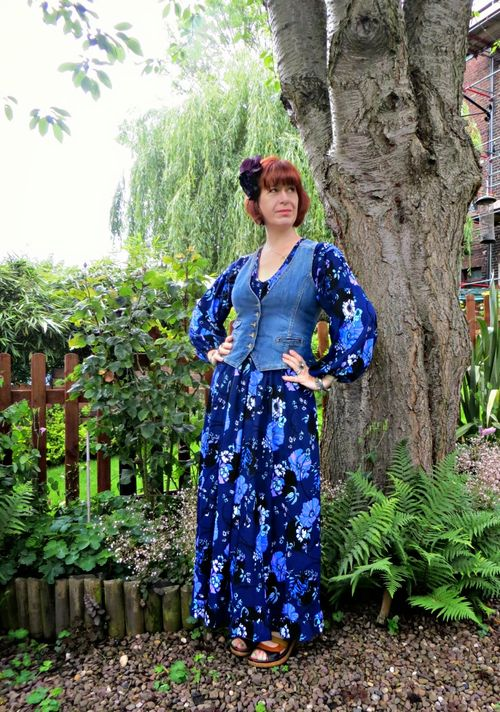 Curtise the secondhand years how to wear a vintage maxi dress over 40