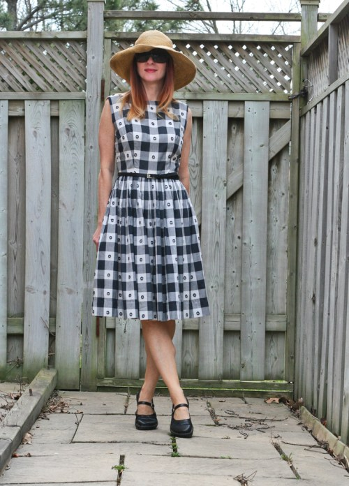 How to wear gingham Vintage 1950's gingham dress