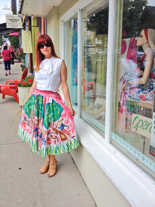 1950s vintage hand painted mexican skirt how to wear vintage over 40 suzanne carillo