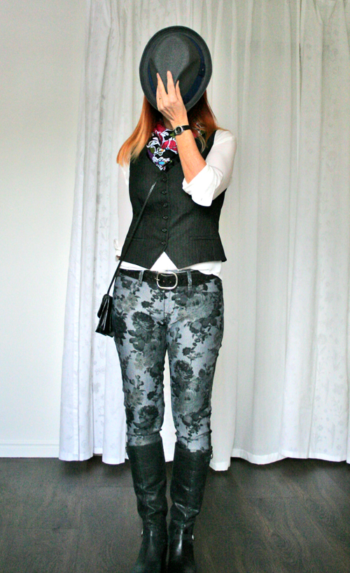how to style patterned jeans over 50 suzanne carillo