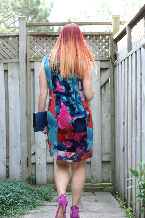 how to wear a shift dress over 50 suzanne carillo