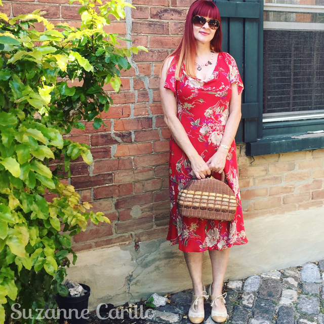 How to dress like Miss Fisher