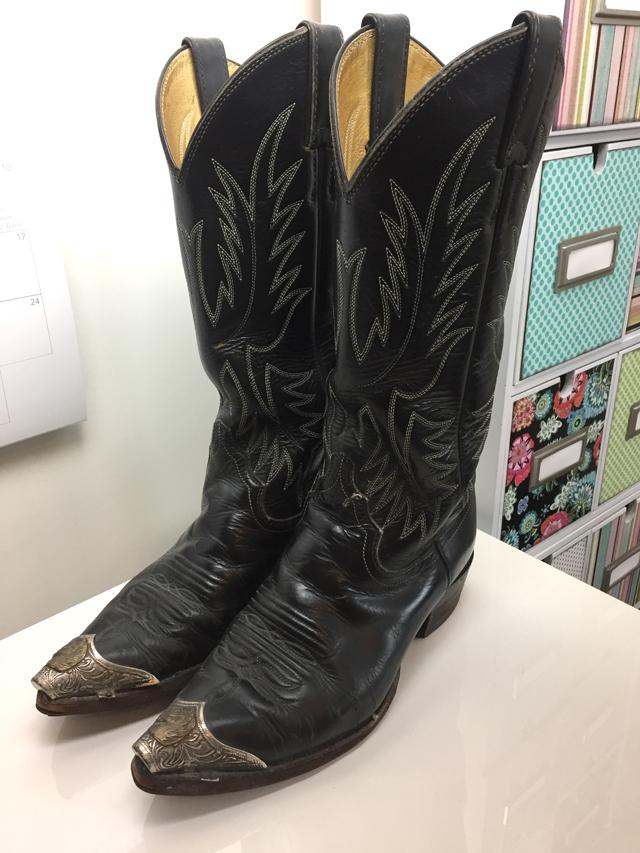 black cowboy boots suzanne carillo