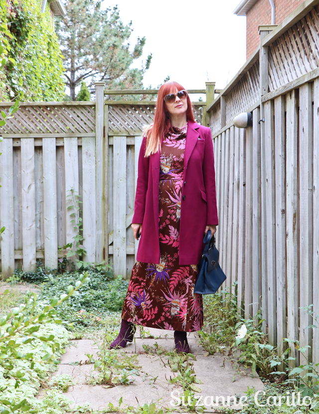 how to wear a vintage maxi dress over 50 suzanne carillo style