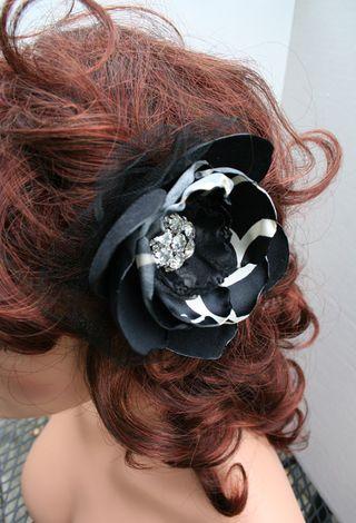 Black pin in hair500