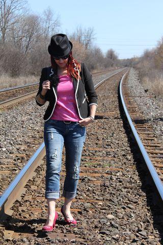 Pink sequins bowler hat rails down