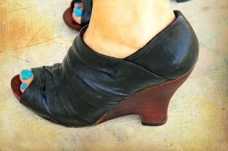 Black wooden heeled shoes