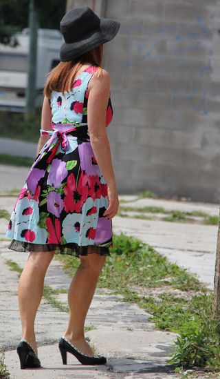 Floral dress with tie
