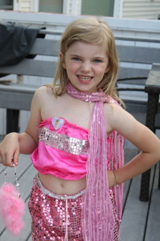Reese pink outfit2