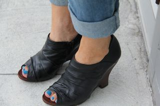 Black wooden wedge heels