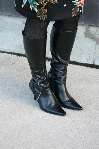 Black side zipper boots