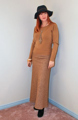 Brown maxi skirt blue gap fedora