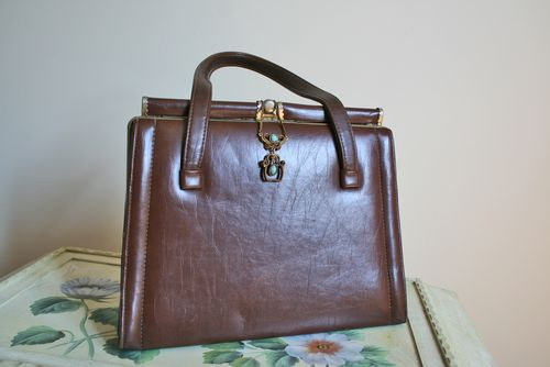 Vintage handbag and necklace-small