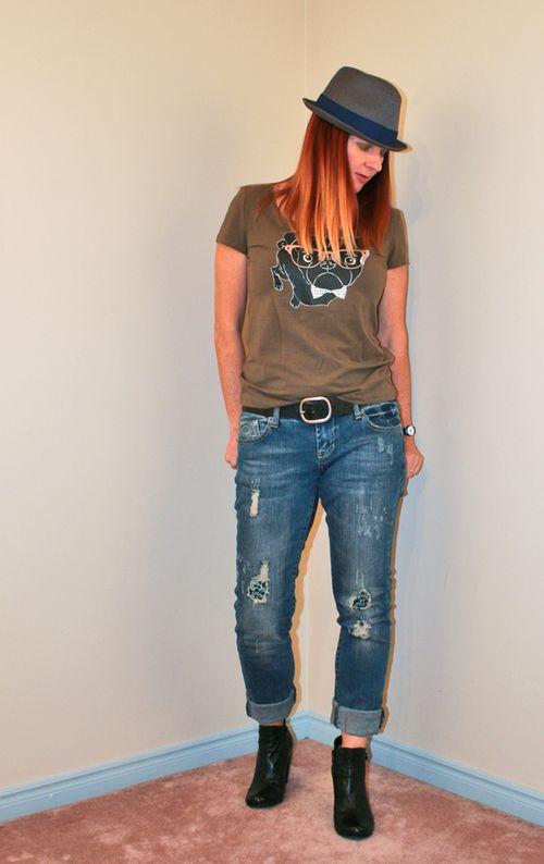 Olive black pug tshirt boyfriend jeans
