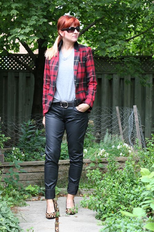 Coated black jeans plaid jacket