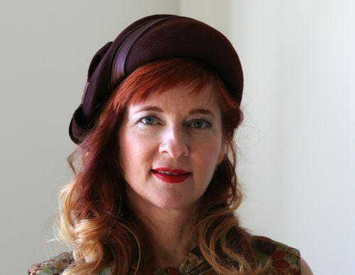 Brown vintage hat 1940s
