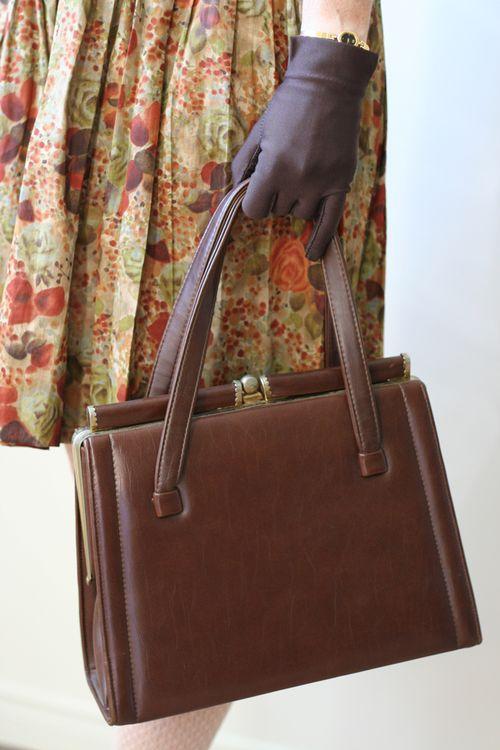 1940s gloves and brown vintage frame handbag