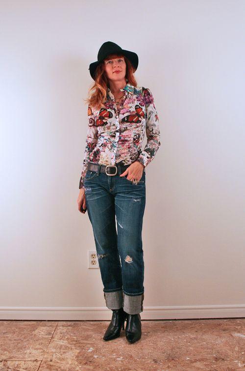 Patterned butterfly parasuco top boyfriend jeans