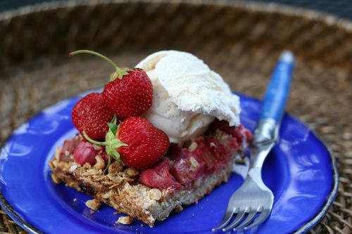 Farmer's market rhubarb strawberry crisp suzanne carillo style files