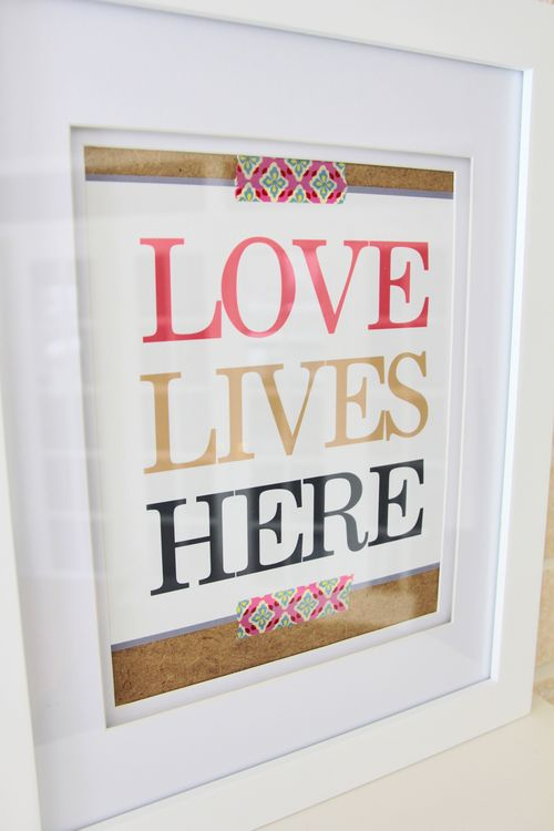 Love_lives_here_free_printable_text_art