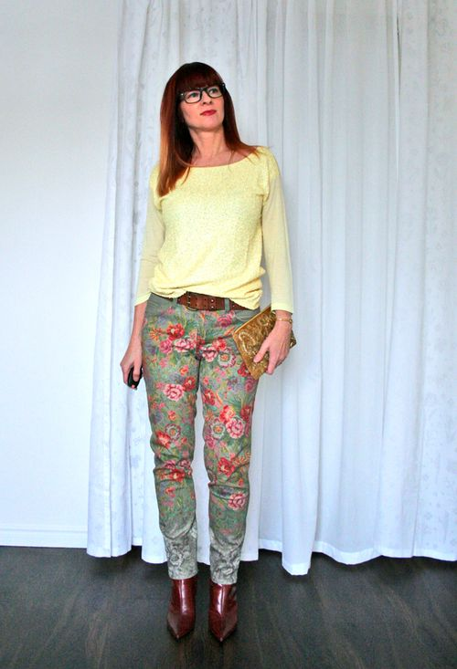 Anthropologie floral jeans spring outfit