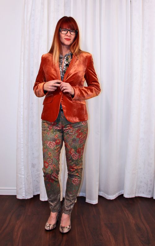 Anthropologie floral jeans how to wear floral jeans suzanne carillo