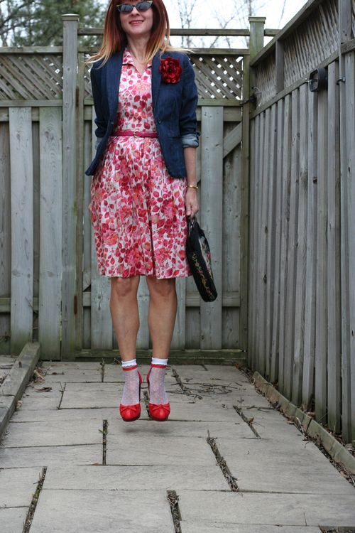 How to style vintage dresses contemporary