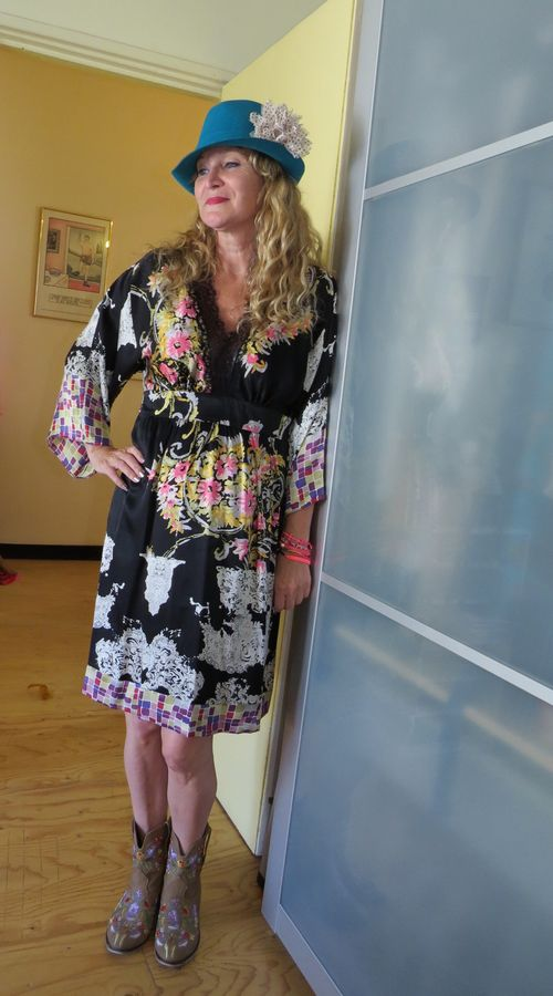 Anja the curly traveller wearing silk kimono suzanne carillo style files