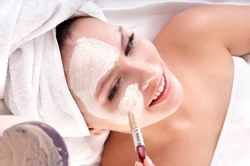 Facial massage Los Cabos Luxury Mobila spa Suzanne Morel