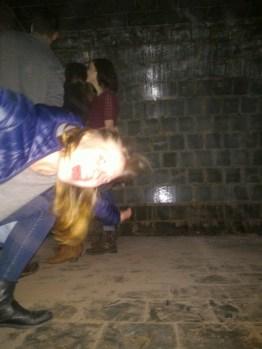 Holly inside the pezsgő tank