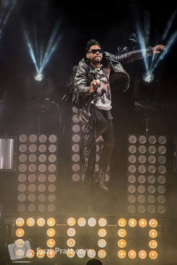 Drake and Miguel live at Tacoma Dome-04