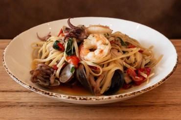Seafood Linguine, Montibello