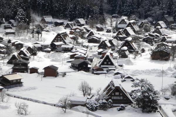 白川郷 天守閣展望台からの風景 冬