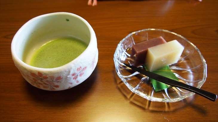 会津東山温泉 向瀧  お茶菓子