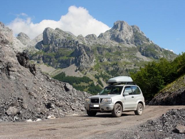 Suzuki Grand Vitara Daniela – 3-drzwiowa na wyprawy