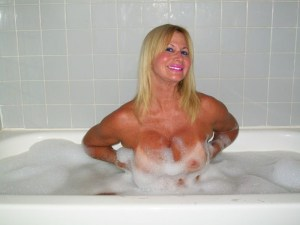 South Florida Escort | Miami-Fort Lauderdale | Sexy Nude GFE - Bubbly Blonde in Bath