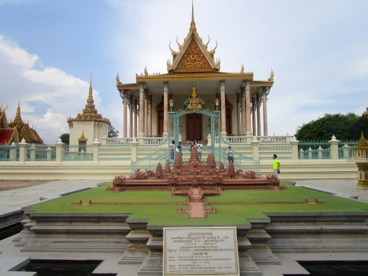 The extraordinarily stunning Royal Palace of Cambodia