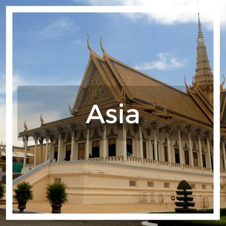Text overlay the Royal Palace in Phnom Penh Cambodia
