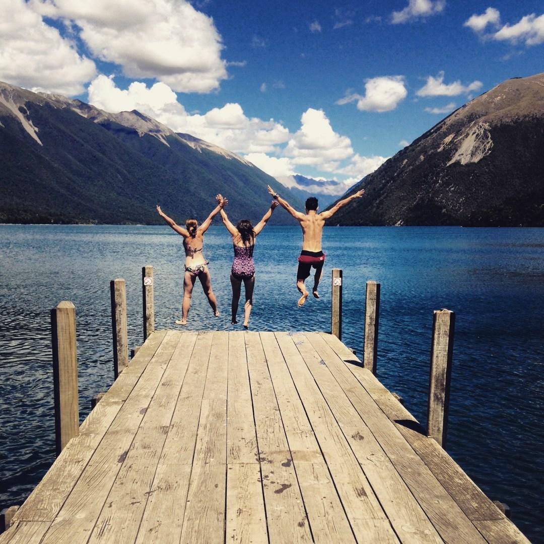 Beautiful Lakes in New Zealand - Jetty jumping at Lake Rotoiti