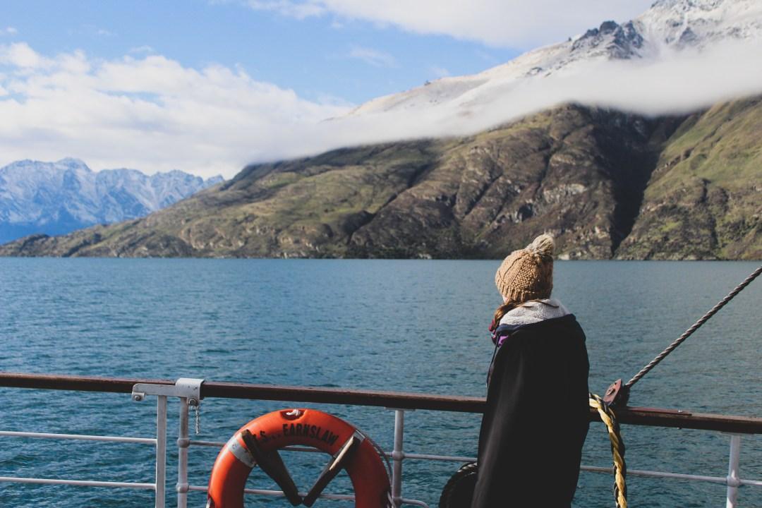 Beautiful Lakes in New Zealand - Boat ride on Lake Wakatipu
