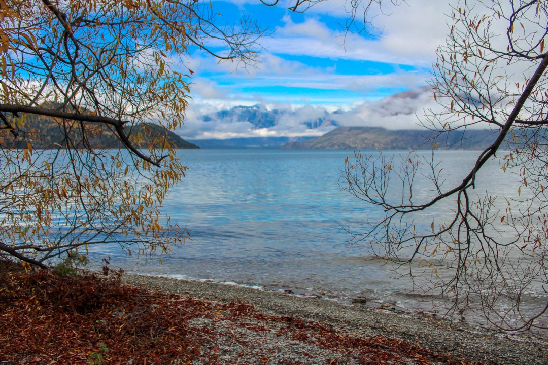 Beautiful Lakes in New Zealand - Lake Wakatipu in Queenstown