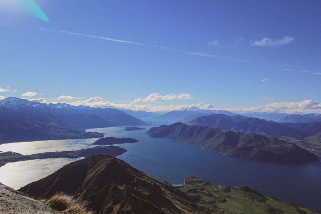 Beautiful Lakes in New Zealand - Lake Wanaka is a New Zealand travel must-do