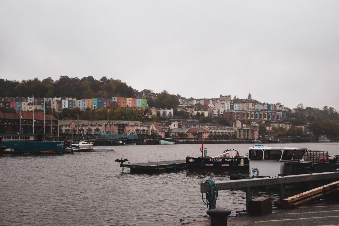 Visit Bristol In One Day Trip - Explore Bristol's harbourside, famous landmarks, and beautiful countryside for an immersive taste of history, world exploration, and engineering! Pause at the harbourside to see the Hotwells houses and their iconic colourful fronts