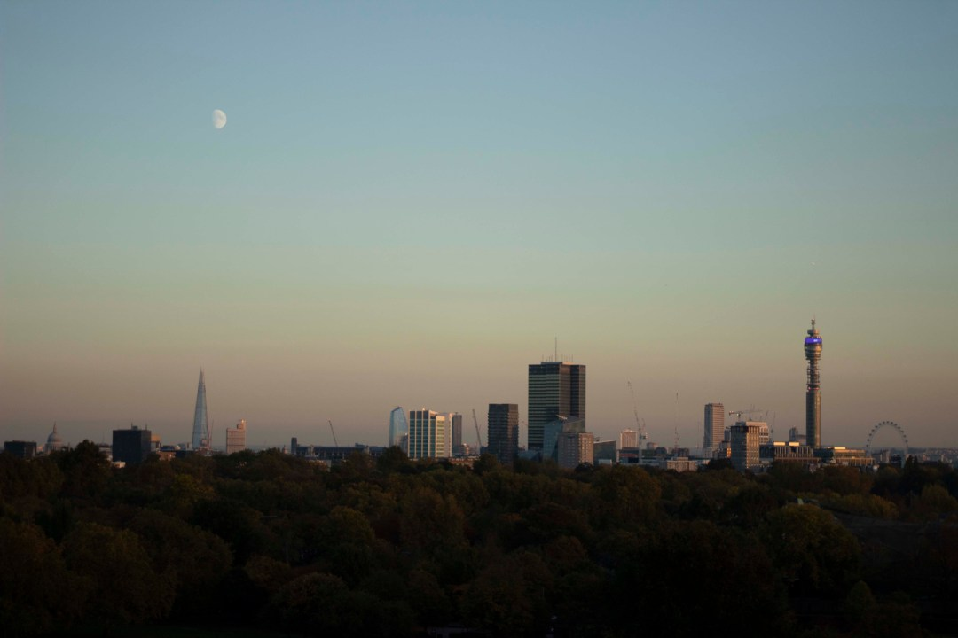 Things To Know When Moving To London - Nothing beats the beautiful views over the London cityscape at sunset.