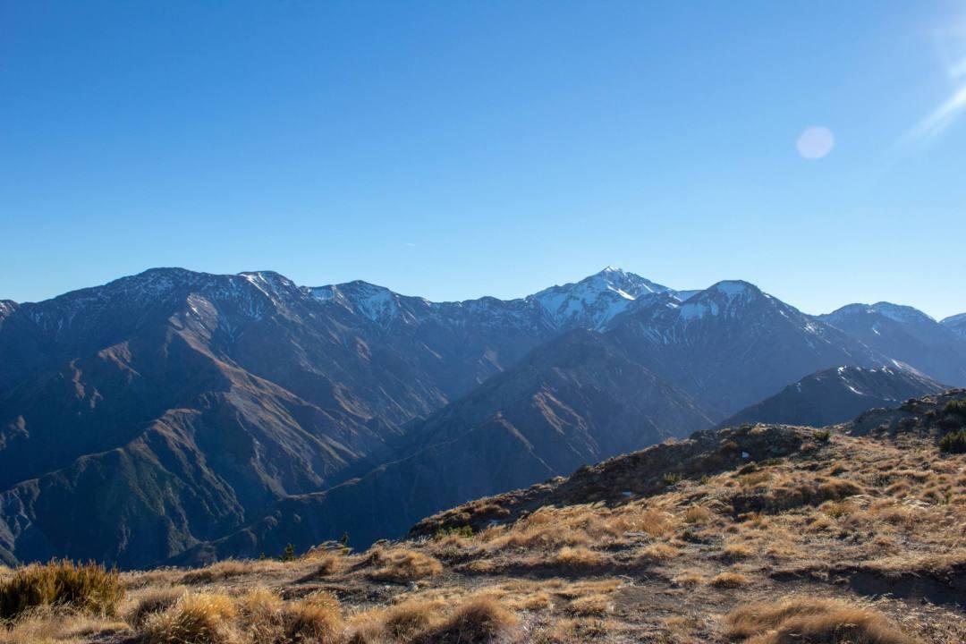 snowy mountain peaks new zealand