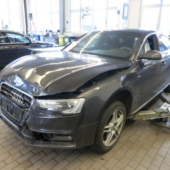 Unfall Schaden Audi